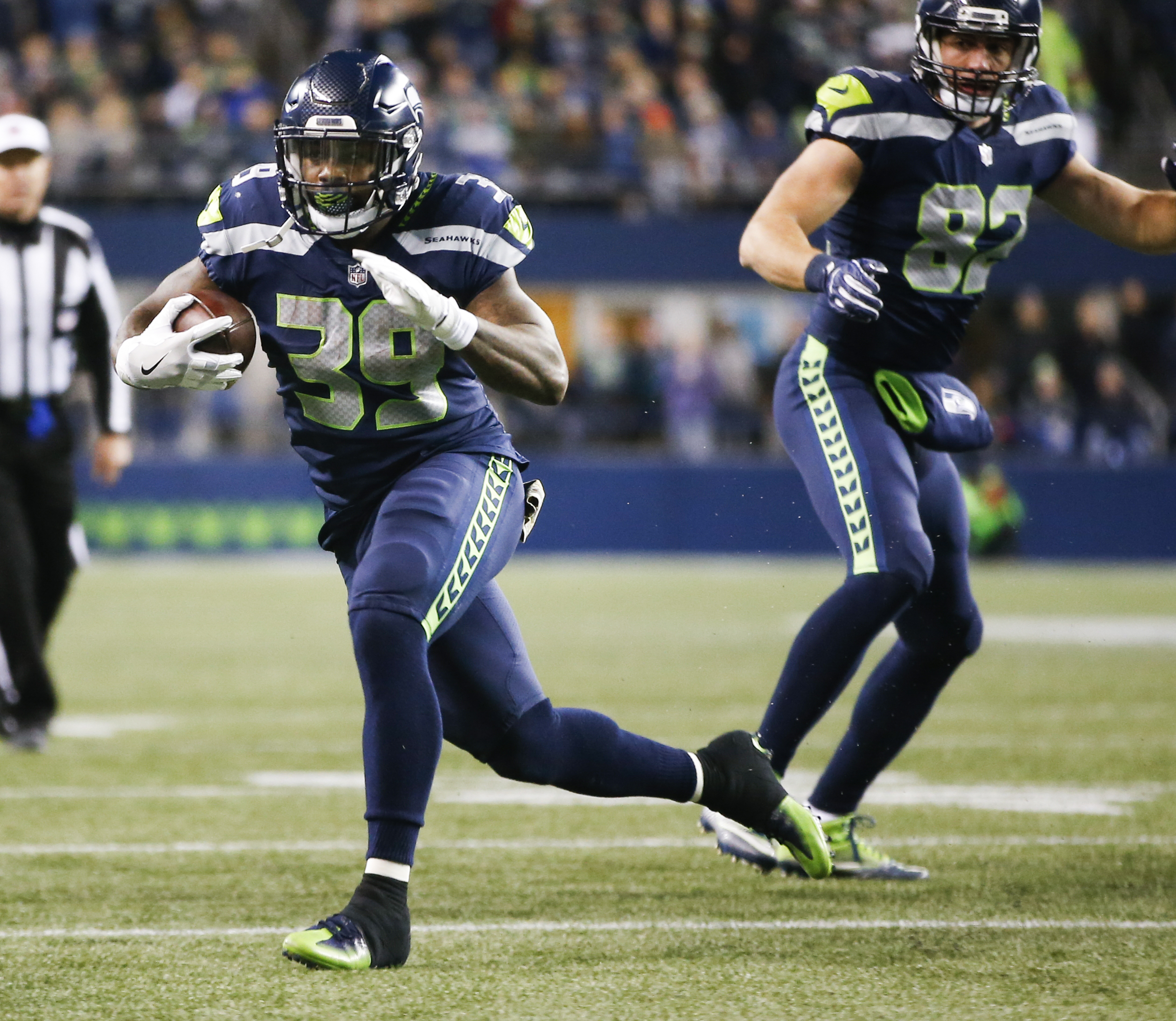 Falcons hold off Seahawks 34-31