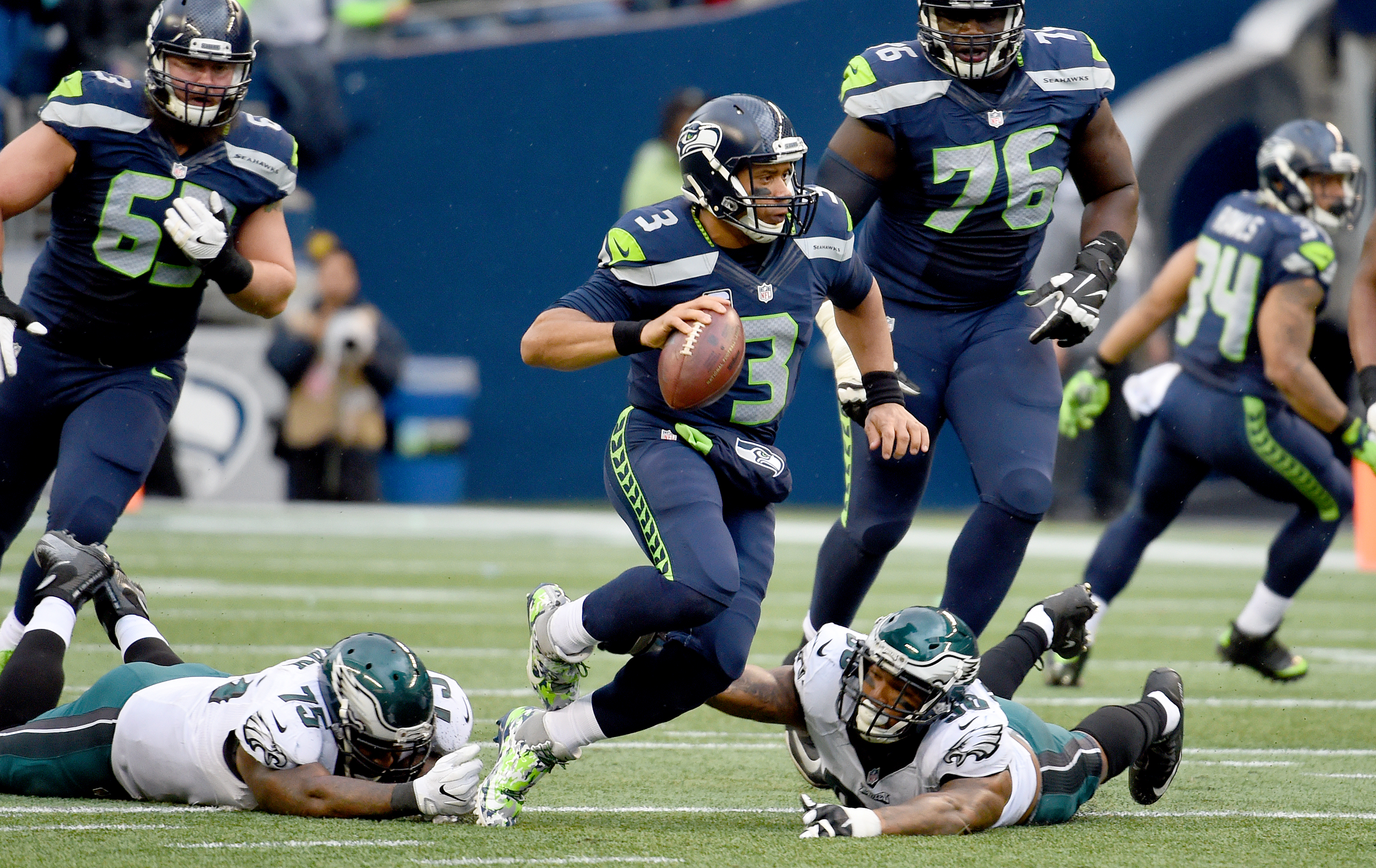 Seahawks humble Eagles on national television, 24-10